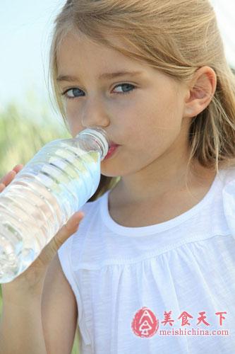 儿童喝什么水好