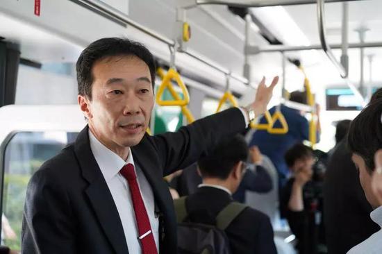 丰田公司4月20日在东京展示氢燃料电池巴士。(新华社记者马峥摄)