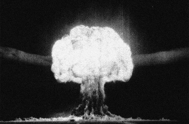 1953年8月12日,苏联开展了首个热核反应装置试验。这场爆炸所释放的能量是美国在广岛投放原子弹的25倍。 来源: Lebedev Physics Inst。 (FIAN)/Hulton Archive/Getty