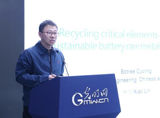 全国废弃化学品处置标准委员会委员林晓 周烨摄